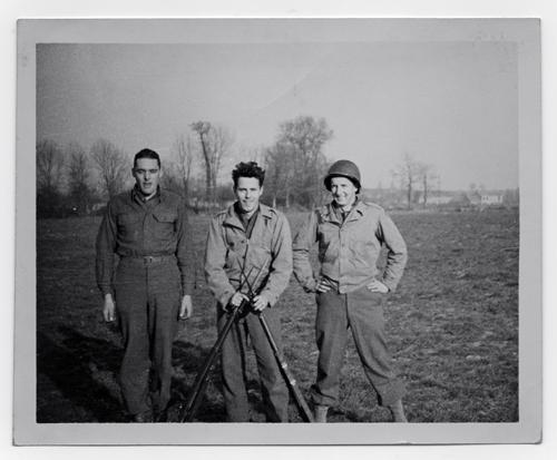 John Whitmore avec Wilson et Fowler, deux de ses compagnons de route (photo DR)