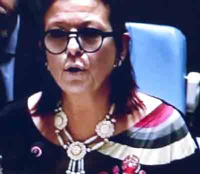 Maria Cristina Perceval : une diplomate digne à qui il sied de parler de dignité