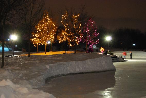 En hiver, Montréal se transforme en une gigantesque patinoire (photo Dahmane Soudani)